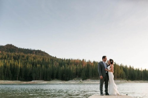 Chic-Blue-and-White-Wedding-Overlooking-Bass-Lake-Tim-and-Jess-Photography-34-600x400