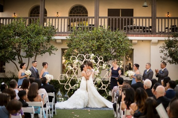 white-and-gold-orange-county-california-bowers-museum-wedding-44-690x460